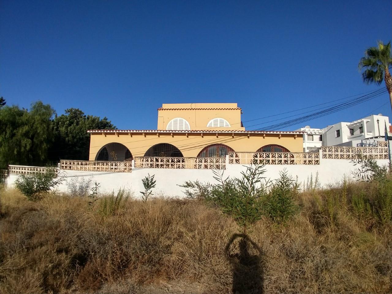 m1125-Huge villa with land in Mojacar.