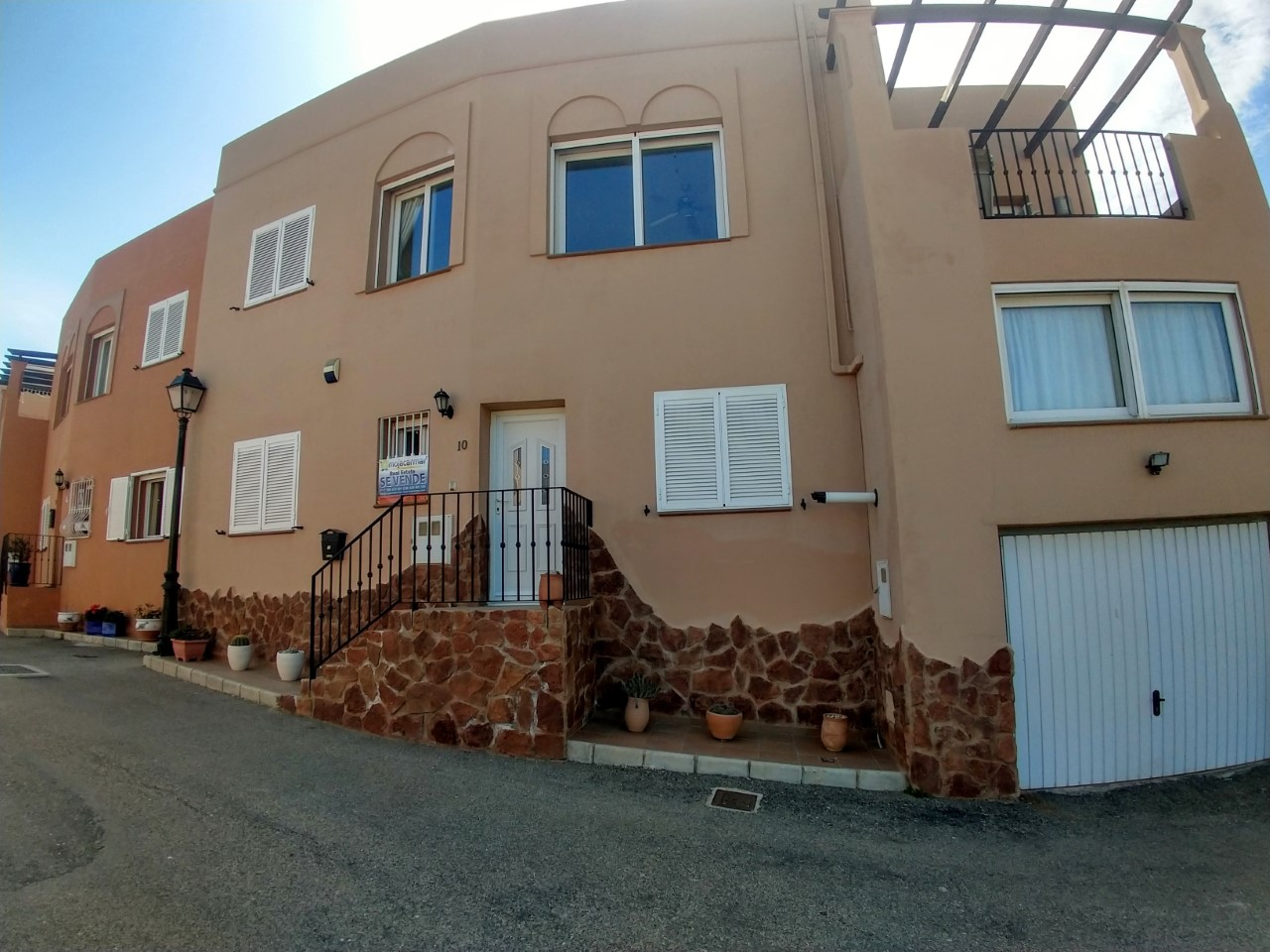 m1135-Larger than average four bed villa in Mojacar.
