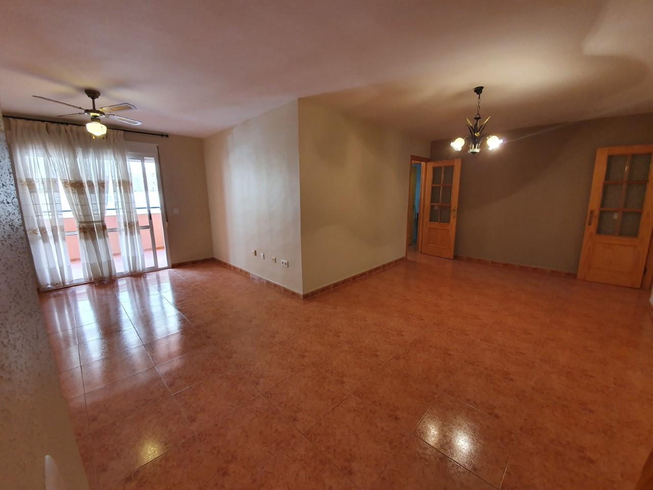 mp1157-Four bedroom apartment in Garrucha.