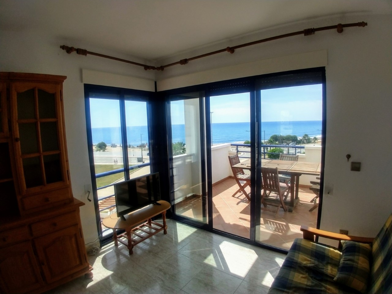 m1150-Penthouse apartment with stunning sea views.